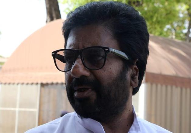 Sena MP Ravindra Gaikwad who attacked an AI staffer on