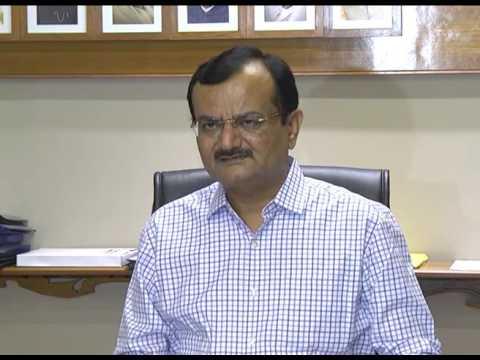 Shoe hurled at Gujarat Home minister Pradipsinh Jadeja