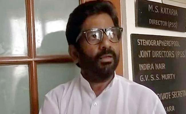 Watch: Shiv Sena MP beats AI staffer on flight, threatens