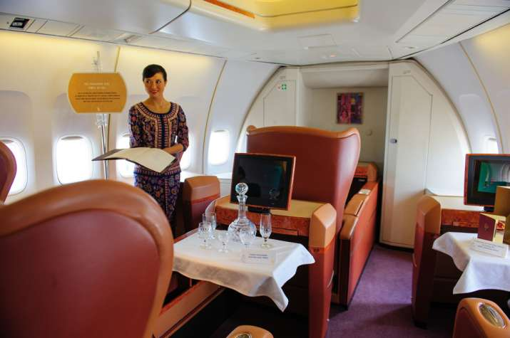 India Tv - Singapore Airlines