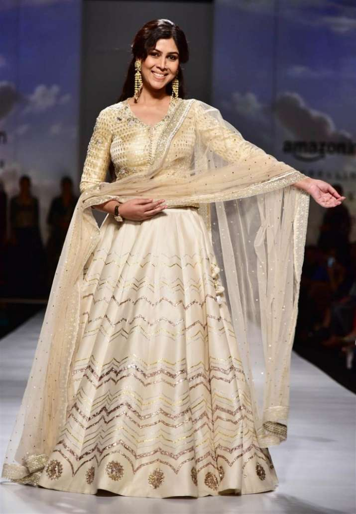 walking the ramps of a beauty Find walk the ramp latest news, videos yesteryear cars walk the ramp in a unique beauty actress malaika arora khan will be walking the ramp.