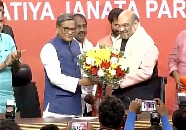 Former Karnataka CM SM Krishna to joins BJP