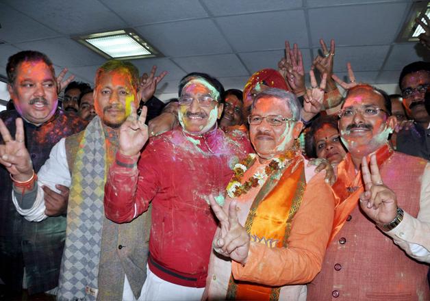 Shyam Jaju with Ramesh Pokhriyal Nishank celebrating