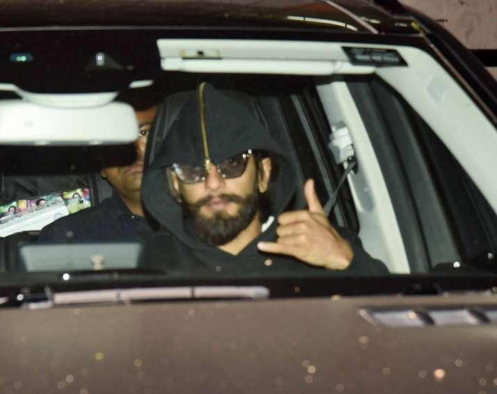 India Tv - Ranveer Singh spotted at Santa Cruz