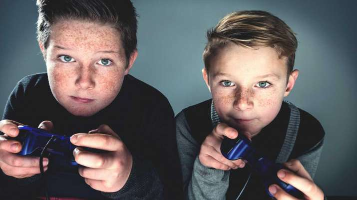 violent video games aggressive behaviour and The latest in the long-standing debate over violent video games: they do cause players to become more physically aggressive an international study looking at more than 17,000 adolescents, ages.