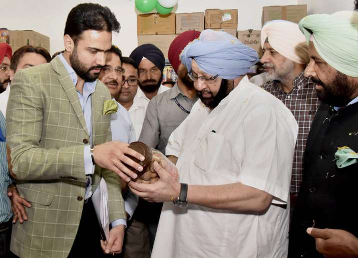 Amarinder Singh contradicts Congress on EVM tampering