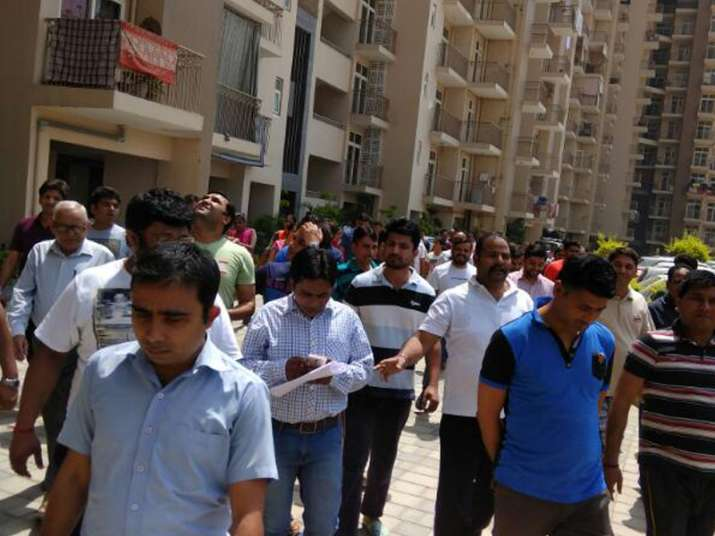 Arihant Arden residents protest against poor maintenance