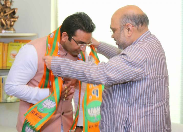 Former Samajwadi Party spokesperson Gaurav Bhatia joins BJP