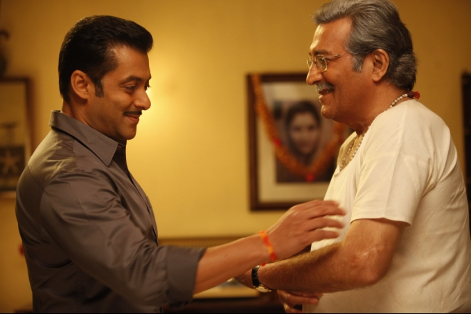 India Tv - Vinod Khanna and Salman Khan shares a good bond, here's the proof