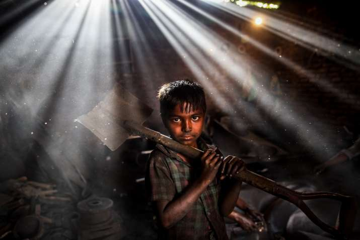 India Tv - From slum dwellers to sex workers, this artistic photographer narrates the story