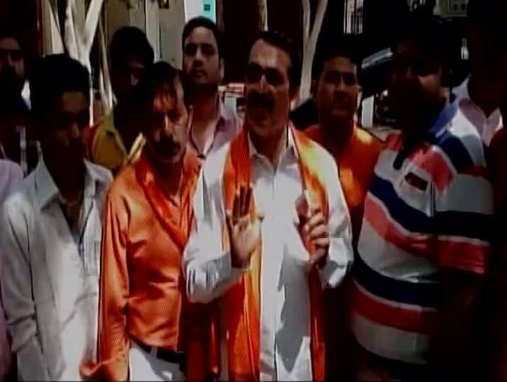 Hindu Yuva Vahini barges into Meerut house, thrash