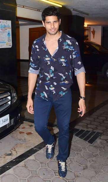 India Tv - Mohit Suri enjoys with Half Girlfriend and Ek Villan cast