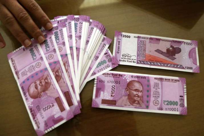 Govt plans to change security features of Rs 2000, Rs 500