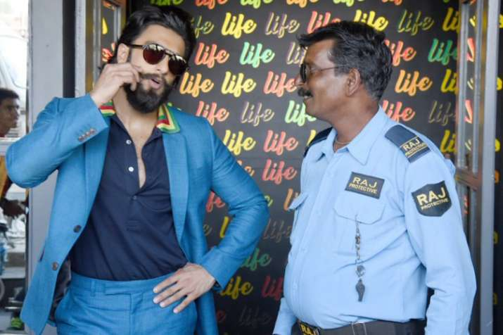 Ranveer Singh is such a humble actor and he proves it ...