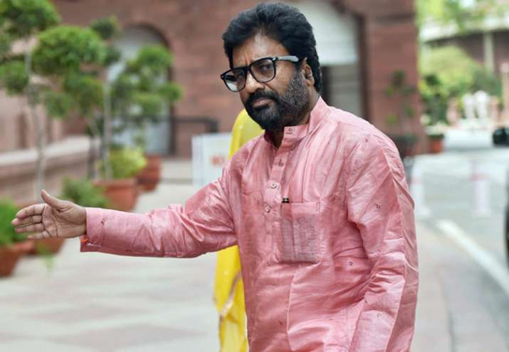Private carriers lift flying ban on Shiv Sena MP Ravindra