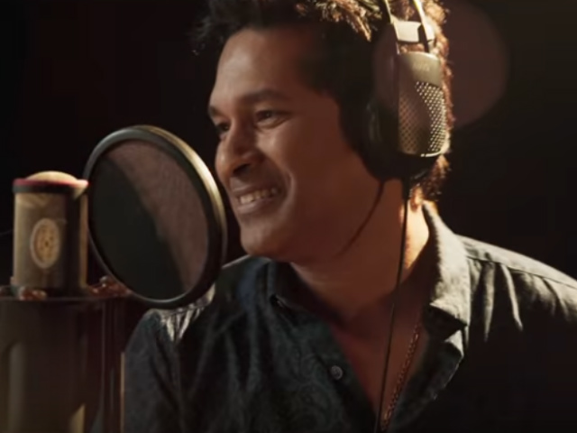 Sachin's singing debut receives thumbs up from Twitter