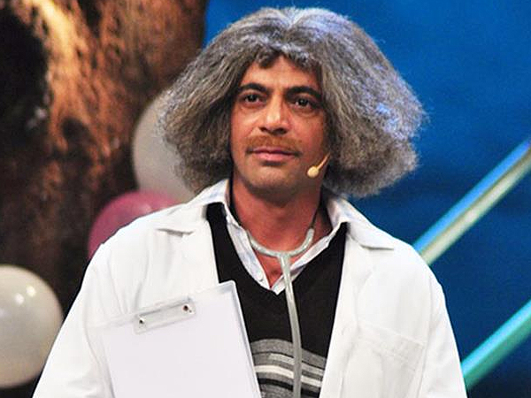 Watch:  Mashoor Gulati brings his 'comedy clinic'  to Delhi, leaves audience in splits    Bollywood News – India TV