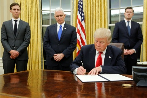 Trump to sign executive order to further tighten H-1B visa