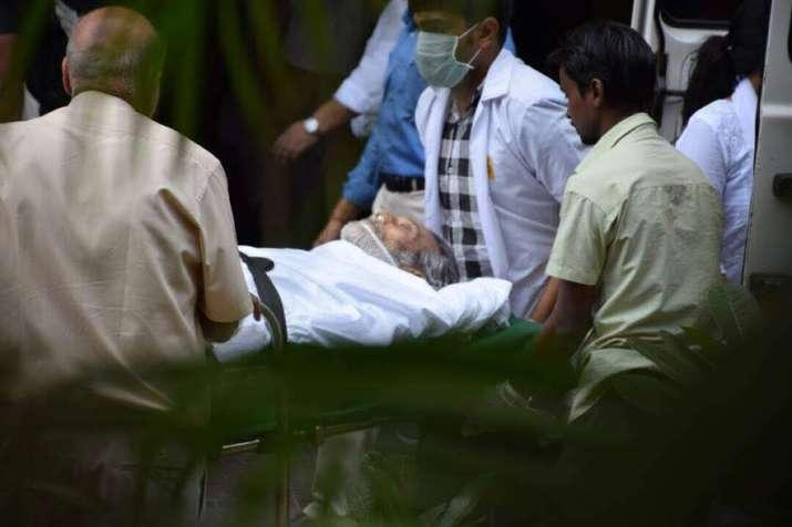 Amitabh Bachchan, Rishi Kapoor attend Vinod Khanna's