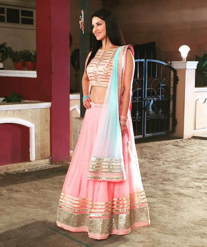 India Tv - 8 times Sunny Leone pulled off the ethnic attire like a true diva