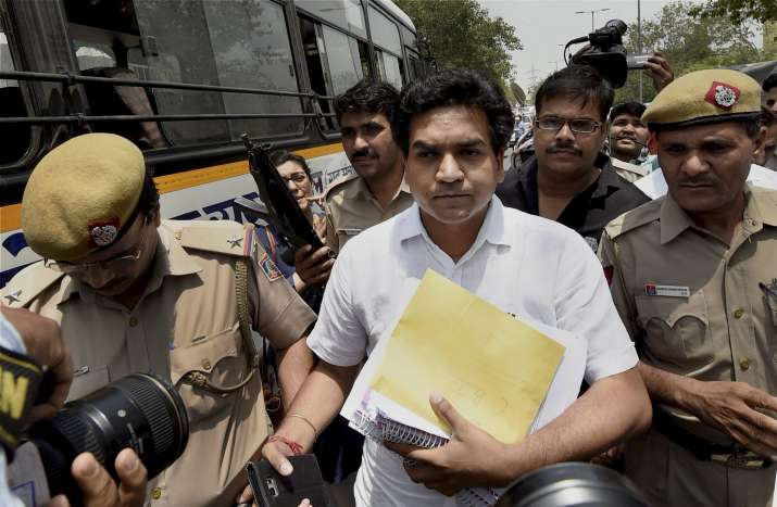 Kapil Mishra approaches CBI with 'proof' of money