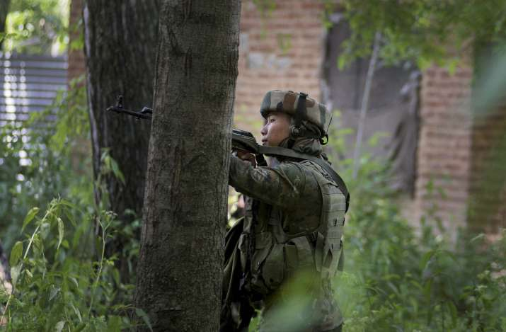 2 Pakistani troopers killed in army's counter offensive on