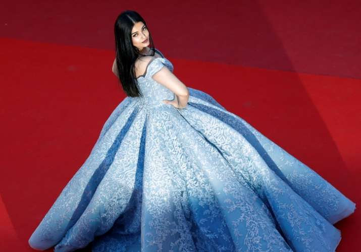 Aishwarya Shut The Cannes Red Carpet In Cinderella Gown Herere