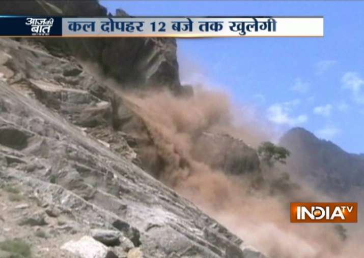Landslide on Rishikesh-Badrinath NH, 1000-1500 feared