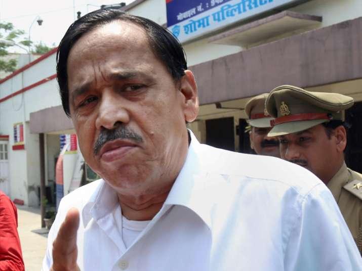 Expelled BSP leader Nasimuddin Siddqui outside Hazraganj