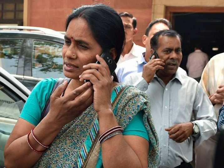 Nirbhaya's parents happy with SC verdict