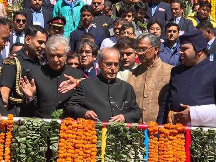 President Pranab Mukherjee visits Badrinath shrine