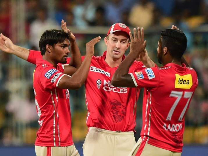 Punjab players celebrate after taking wicket of de Villiers