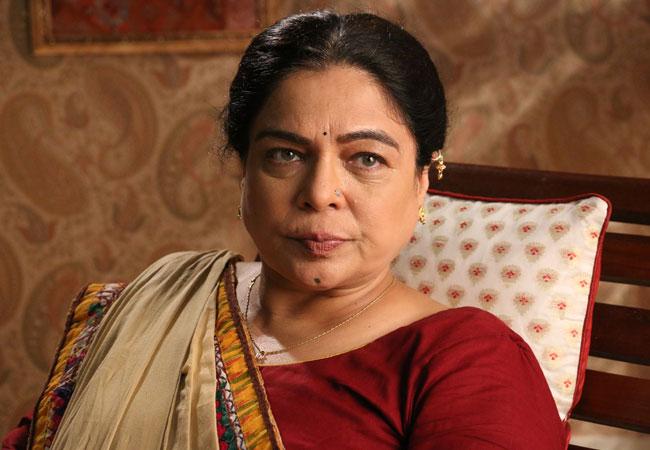 Reema Lagoo's role in Naamkarann as Dayawanti Mehta