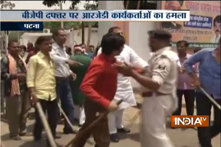 After I-T raids on Lalu Yadav, RJD workers attack BJP