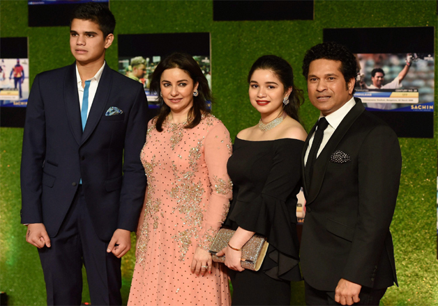 India Tv - Sachin Tendulkar with his family