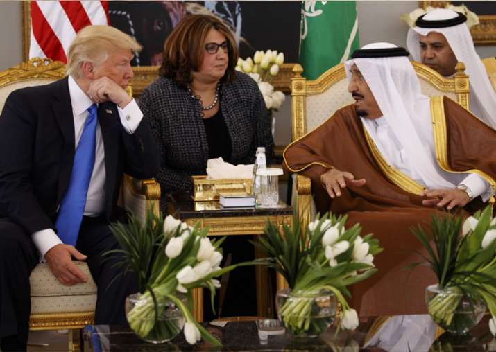 Donald Trump talks with Saudi King Salman in Riyadh