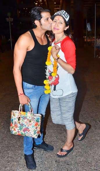 India Tv - Karanvir Bohra with wife Teejay
