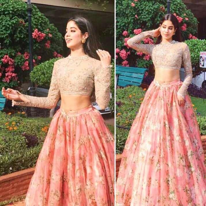 India Tv - Jhanvi in traditional attire