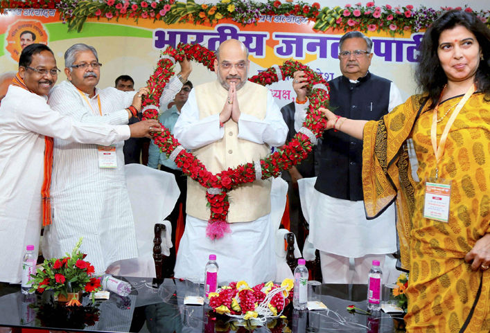 Amit Shah faces flak for his 'chatur baniya' remark on