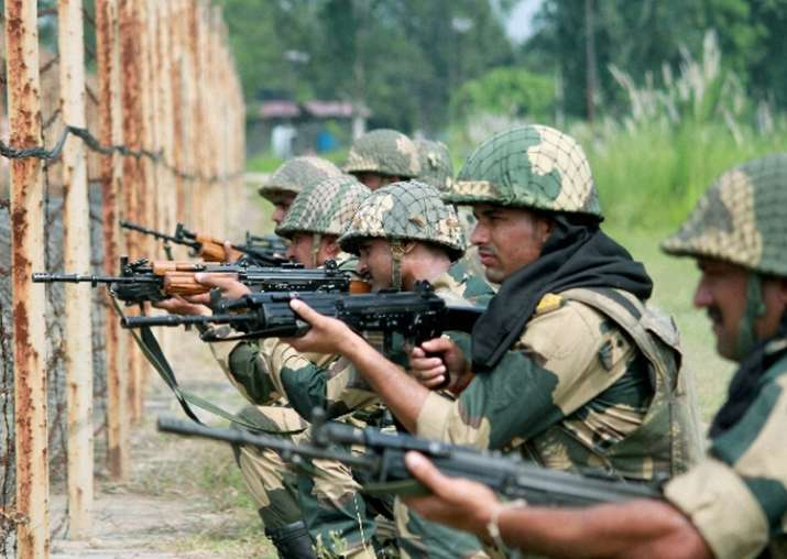Pakistan violates ceasefire in Kashmir's Poonch, Indian
