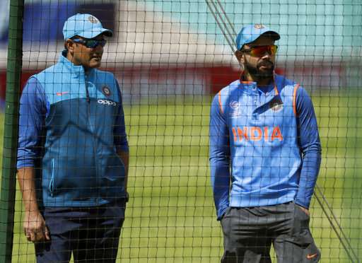 Anil Kumble and Virat Kohli during nets session