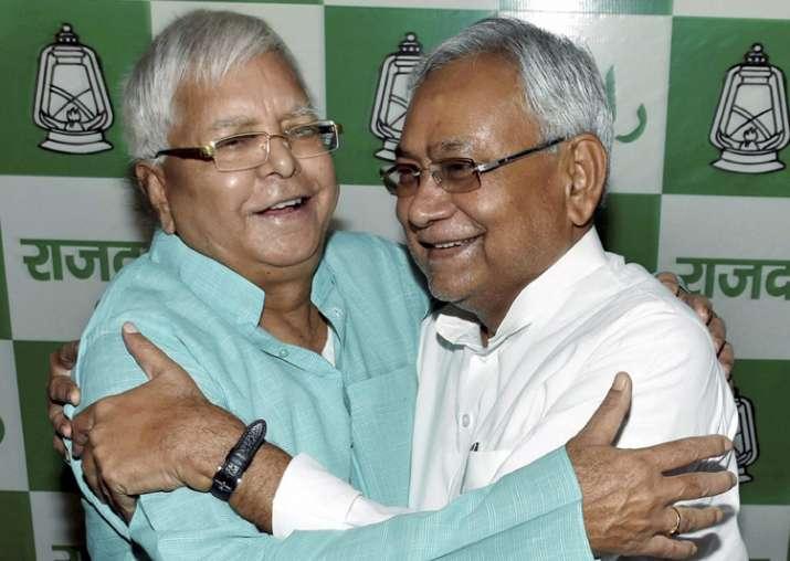 Nitish Kumar greets Lalu on his 70th birthday
