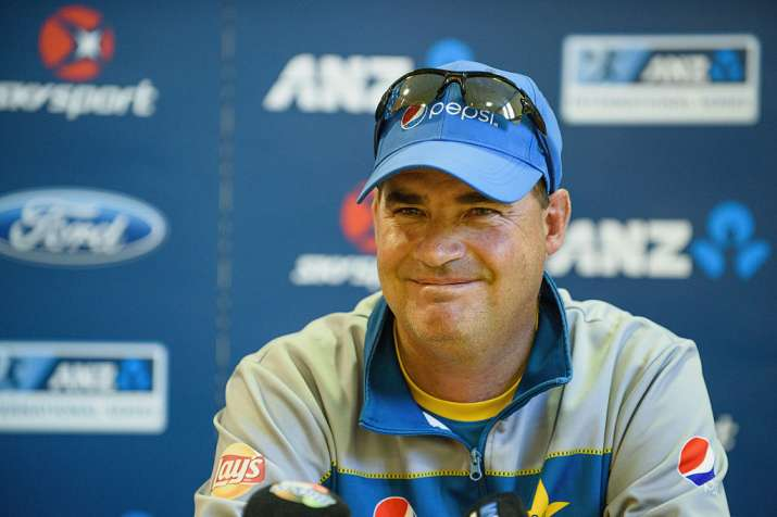 Mickey Arthur of Pakistan speaks to the media during a