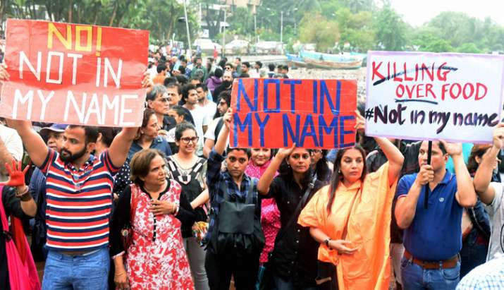 India Tv - Bollywood actors Shabana Azmi and others participating in protest in Mumbai