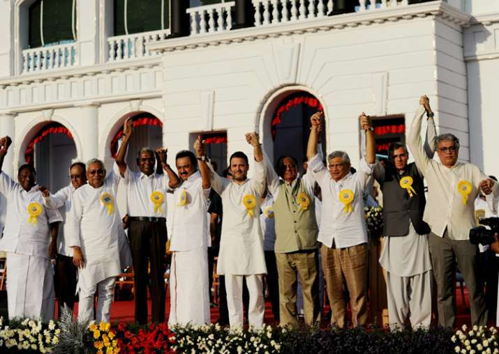 Opposition extol Karunanidhi, call for united fight against