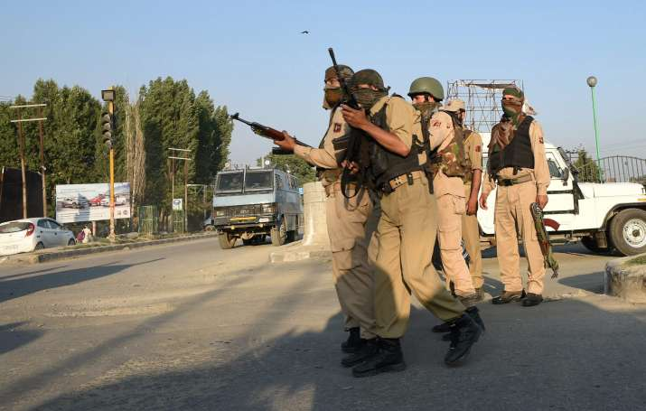 J-K policemen asked to avoid Eid prayers in public places