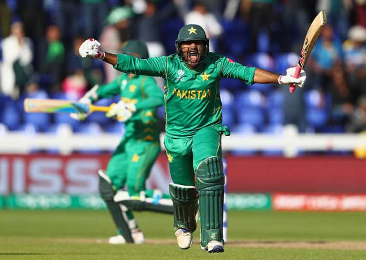 Sarfraz Ahmed celebrates after Pakistan's victory against