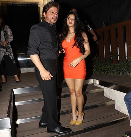 India Tv - Suhana posing with Shah Rukh Khan