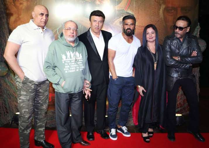 Border cast at reunion bash