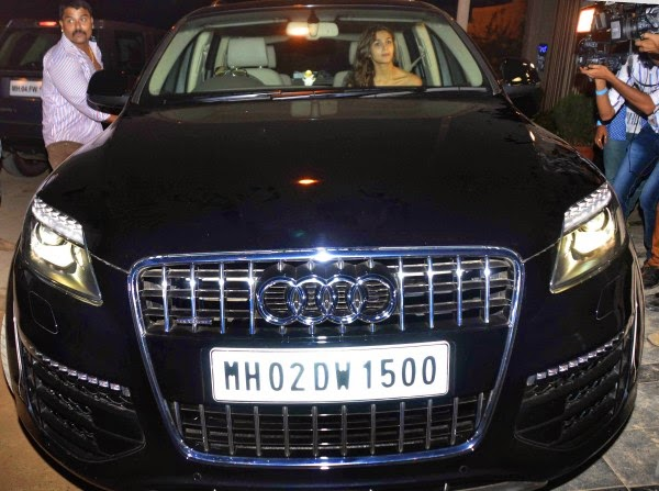 India Tv - Alia Bhatt in her blue Audi Q7